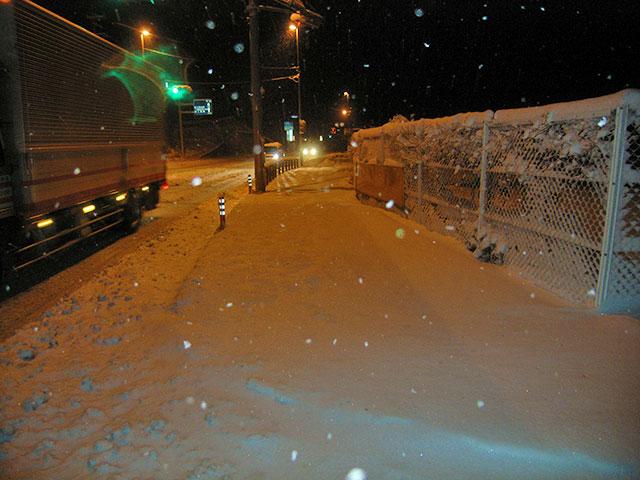 人力による除雪除雪前