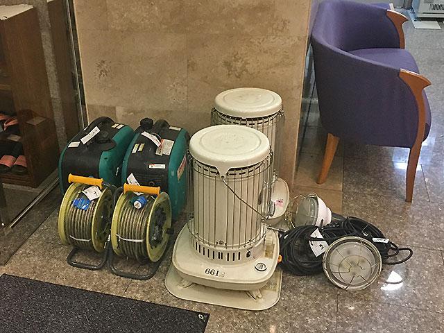 1.6KVA発電機、コードリール、投光器